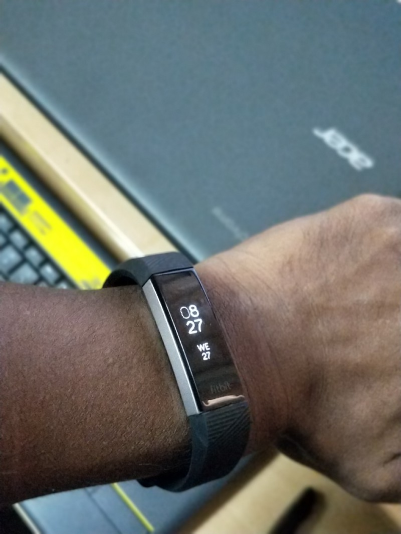My experience with Fitbit Charge HR — numbness, tingling and